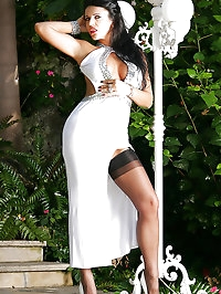 Glamour Model Eve Outdoor in Sexy Outfit